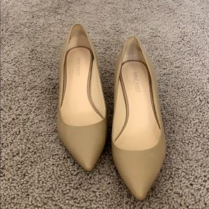 """Nude leather 2"""" heels, size 7, excellent condition"""